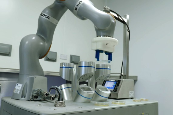 Fully autonomous robot for environmmental monitoring in Pharma manufacturing facilities